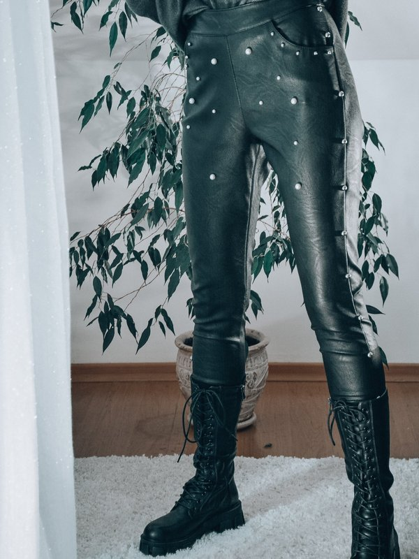 ECO LEATHER TROUSERS WITH PEARLS