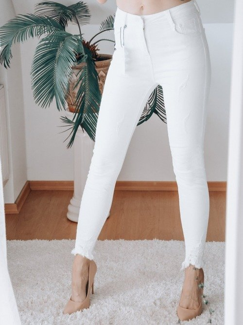 WHITE PANTS WITH WIPES